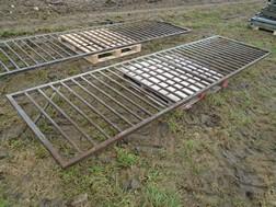 Lot 14A - 14' metal pig gate