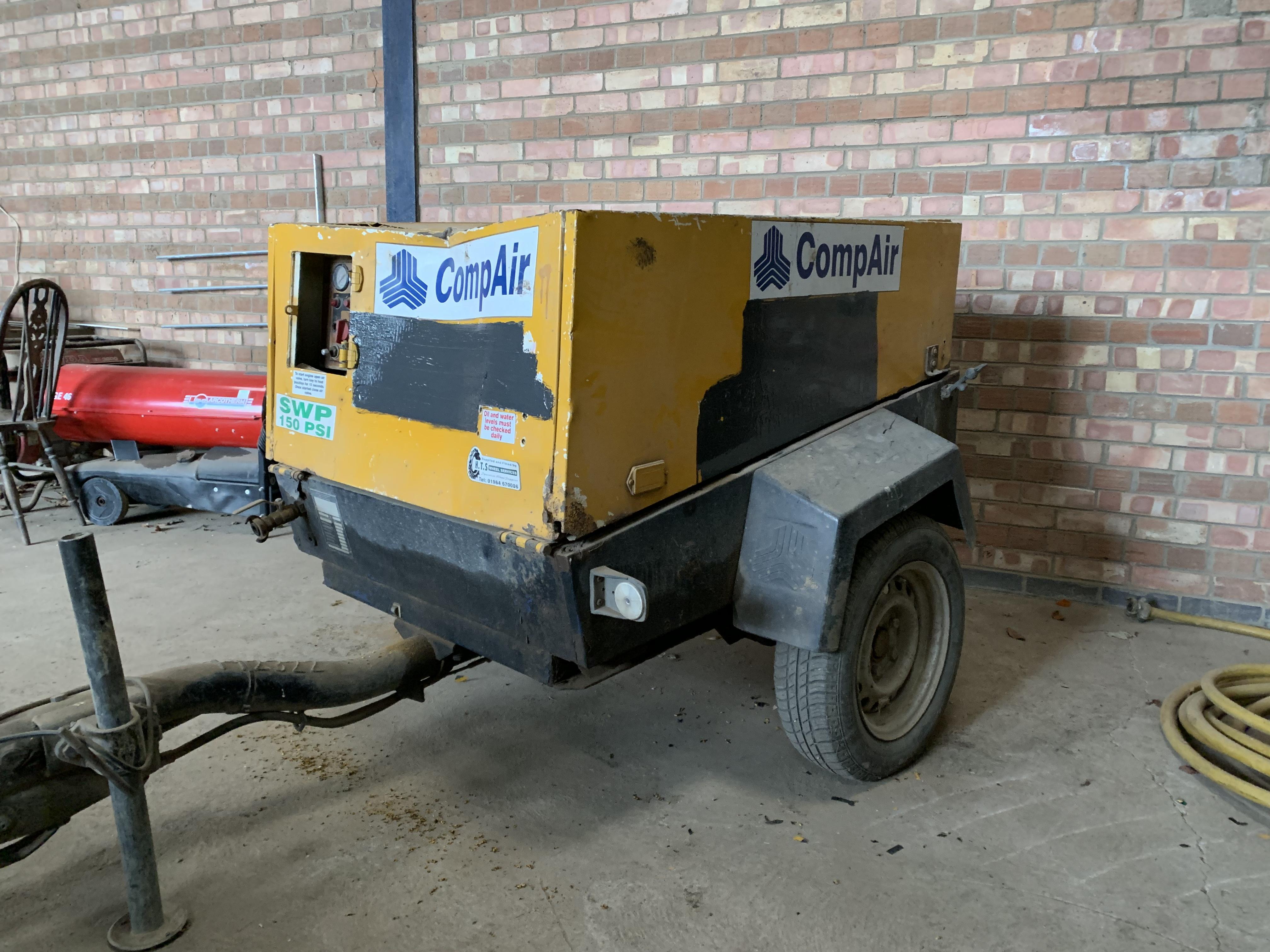 Lot 29 - Towable compressor