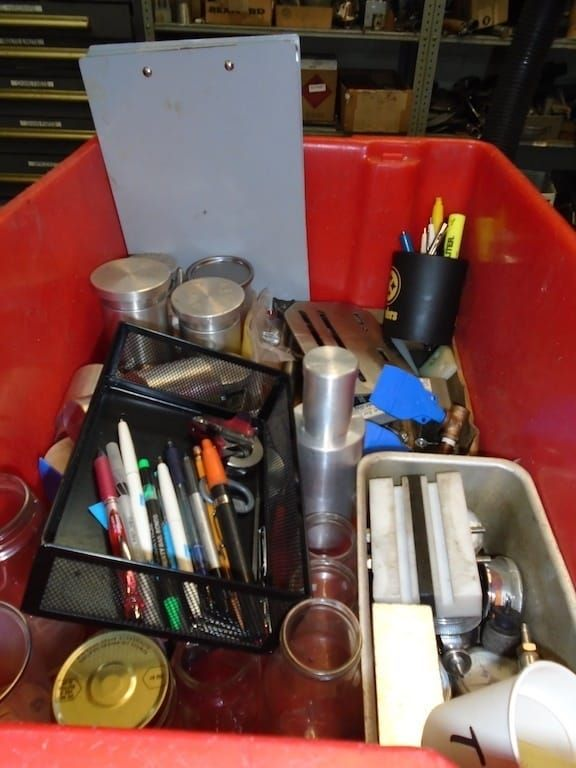 Lot 31RB - Contents of top of table ( Dayton shop vac, box of assorted valves, drills bits, stools)