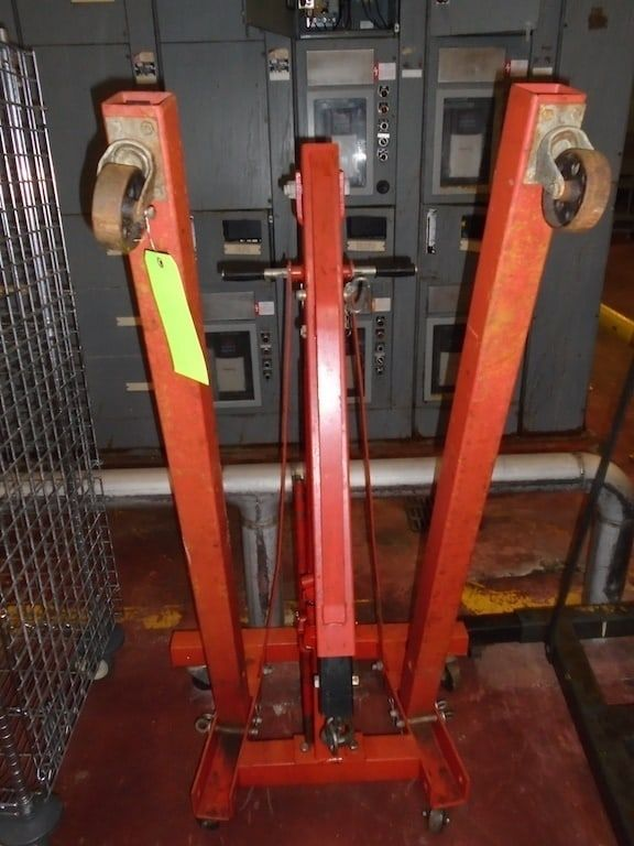 Lot 066RB - 1 1/2 ton Hoist