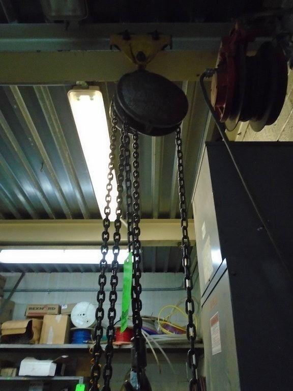 Lot 17RB - Yale 1/2 ton chain hoist