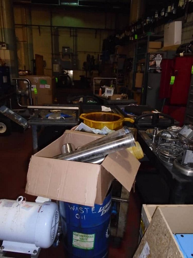 Lot 433RB - 7 Carts and Contents