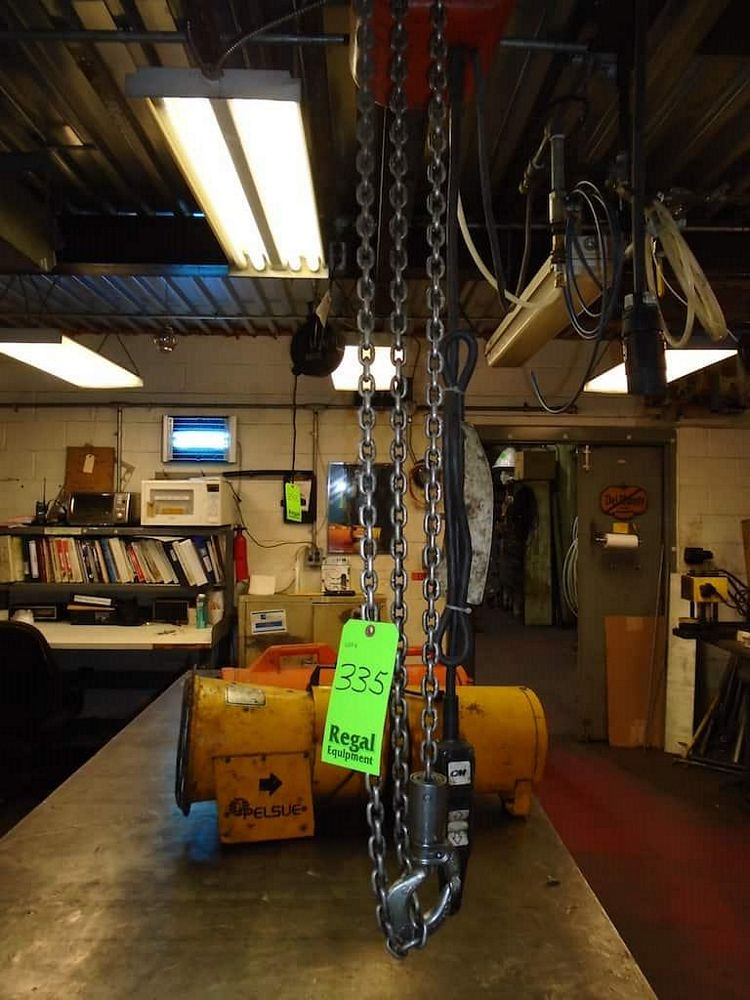 Lot 335RB - 1/2 ton Electric chain Hoist
