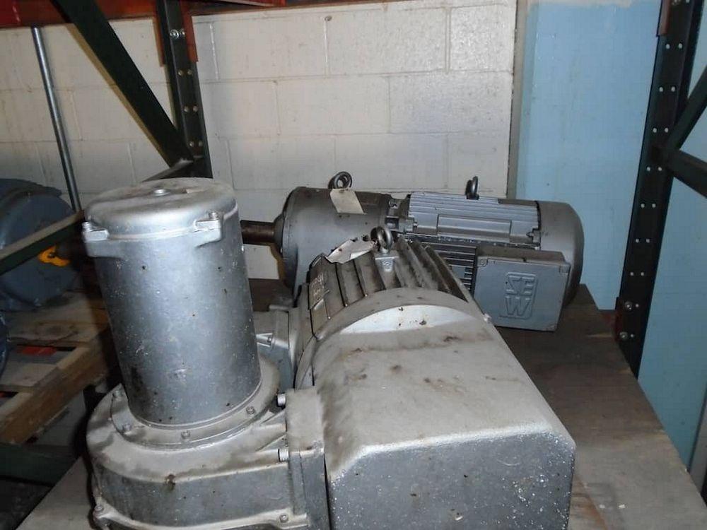 Lot 375RB - 2 Pallets of Motors