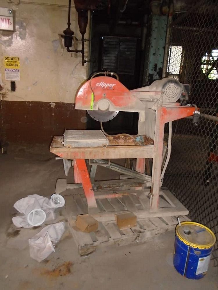 Clipper wet saw and stand