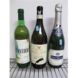 Lot 894 - Wines - Umberto Fracassi Ratti Mentone, Langhe Favorita, 75cl; Saint Honore Brut, 750ml; Blanco