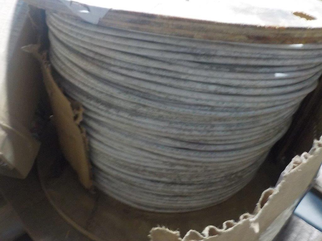 Lot 5 - lot: wire / fils: # 10 AWG, 37/26 NPC white (1,530')