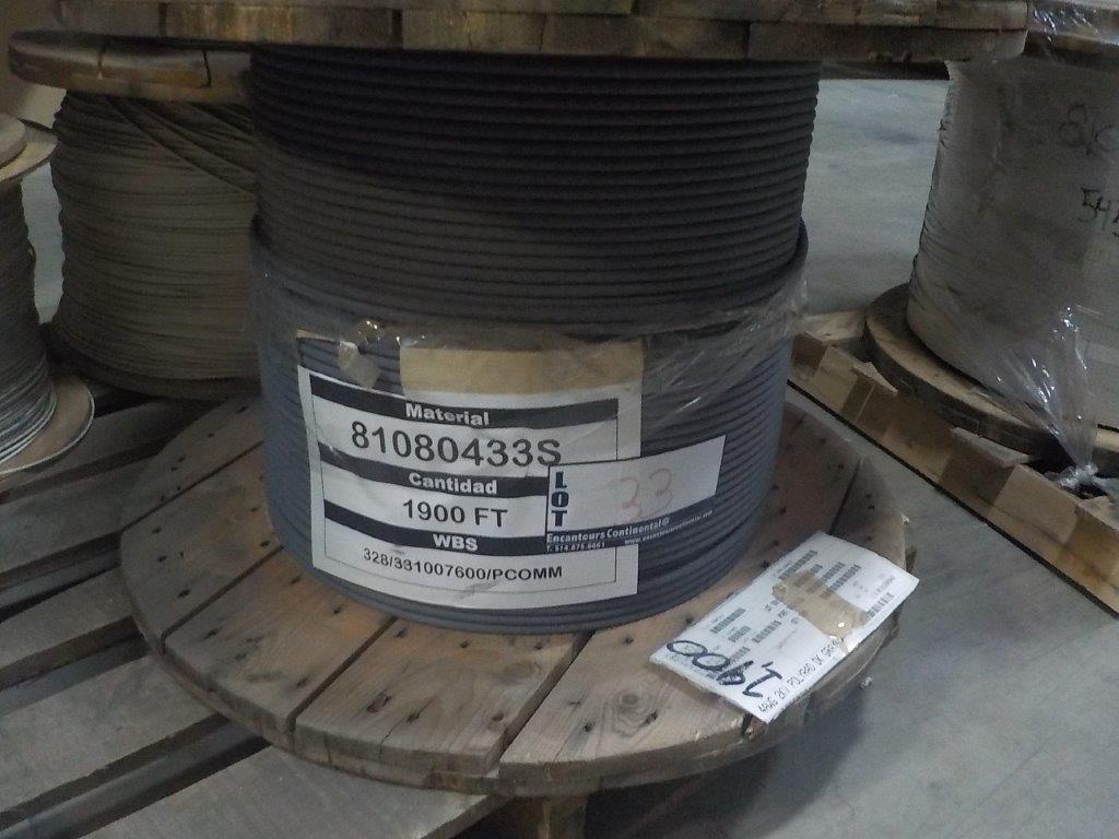 Lot 33 - lot: wire / fils: # 4 AWG, 2,000V, (1,900')