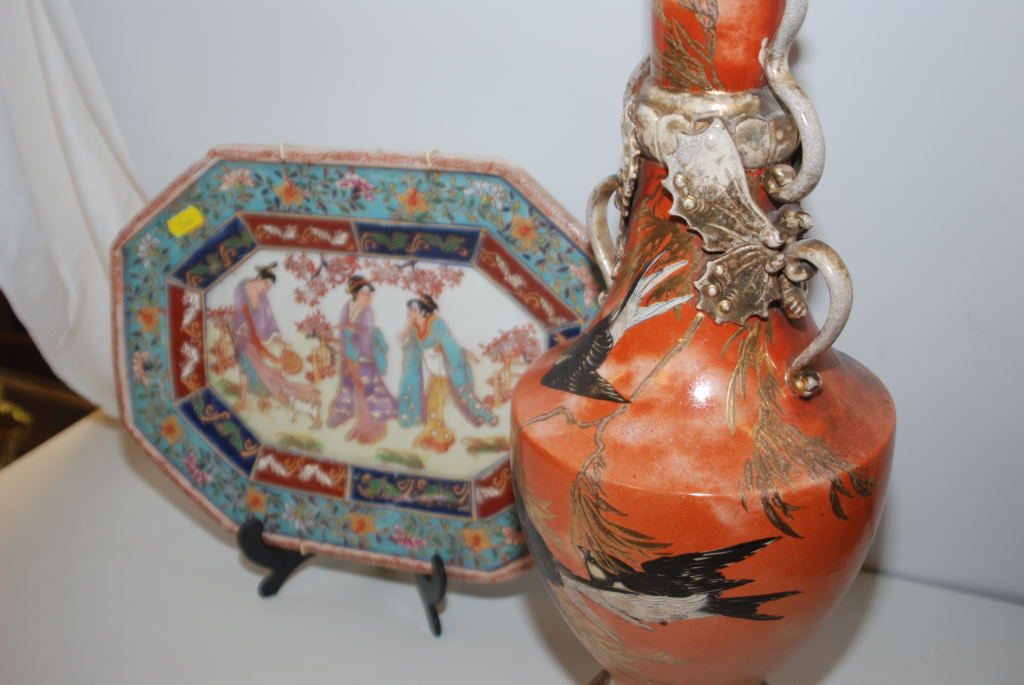 Lot 36 - TALL JAPANESE SATSUMA VASE, 57 CM, DECORATED WITH ENAMELLED SWALLOWS AND A CHINESE OCTAGONAL PLATE,