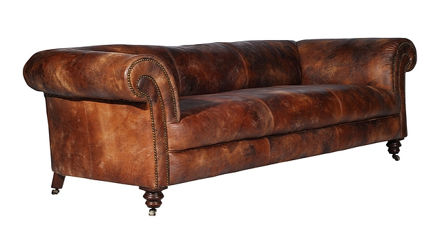 Lot 39 - Old Grand Library Chesterfield 1 Straight Without Button Antique Whisky 123 X 100 X 72cm