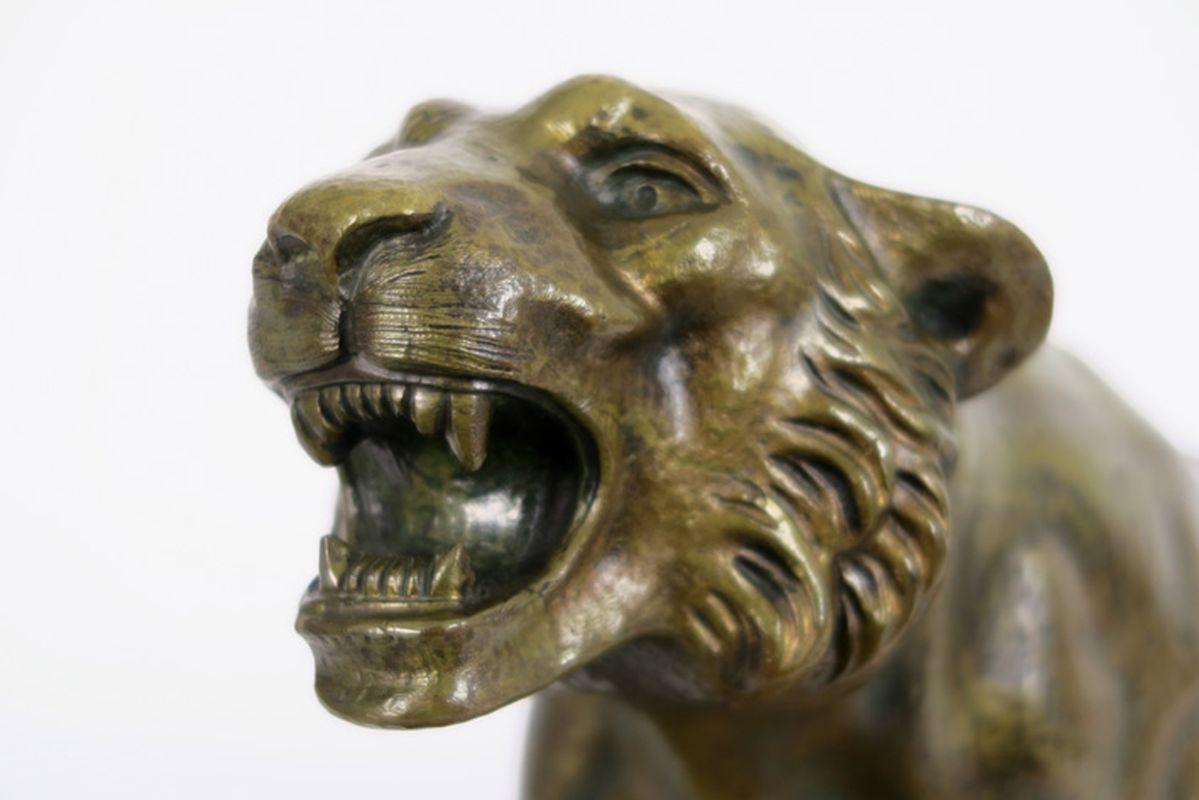 """Art Deco-sculptuur in brons : """"Lopende tijger"""" - op een basis in zwarte en witte [...] - Bild 4 aus 4"""