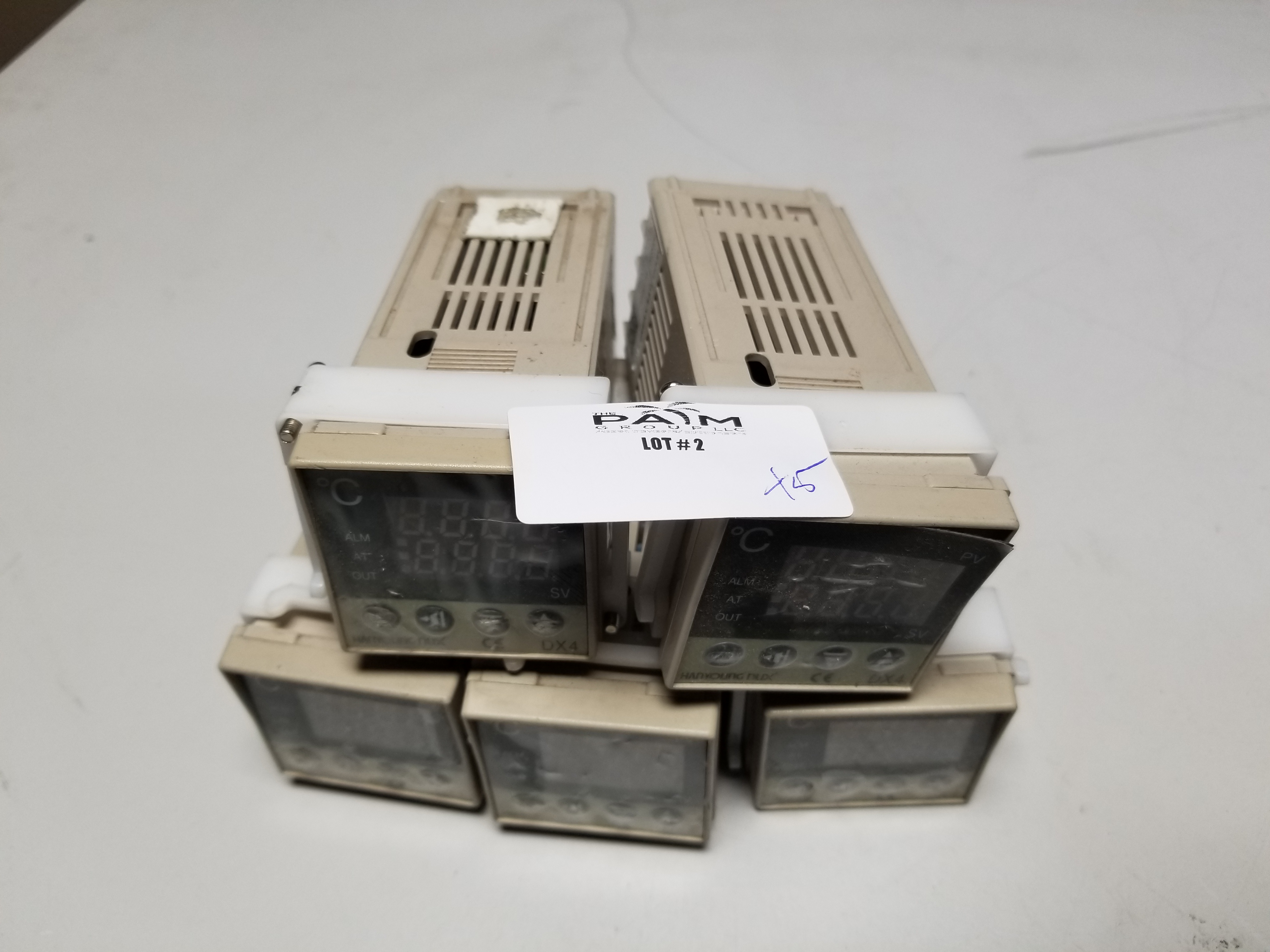 Lot 2 - LOT OF HANYOUNG TEMPERATURE CONTROLLERS
