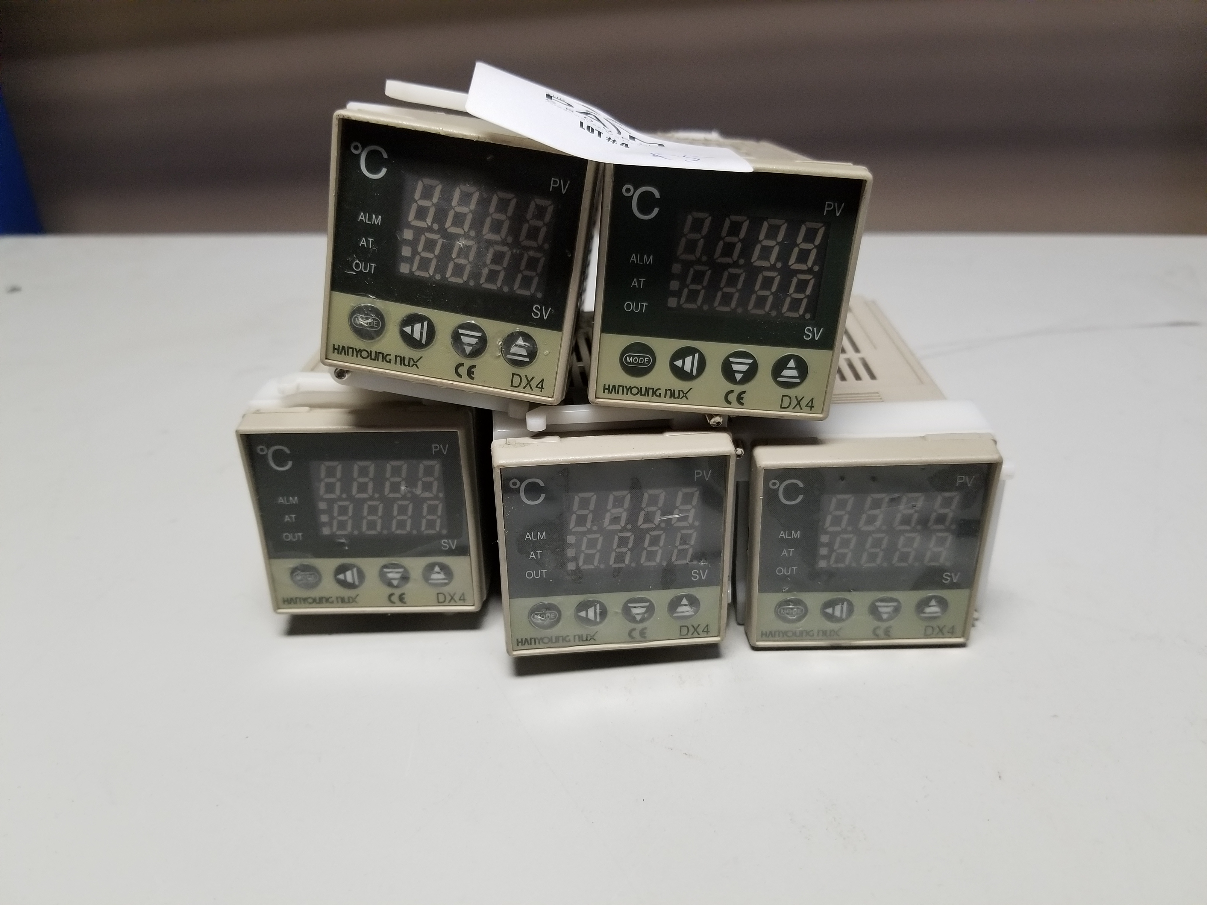 Lot 4 - LOT OF HANYOUNG TEMPERATURE CONTROLLERS