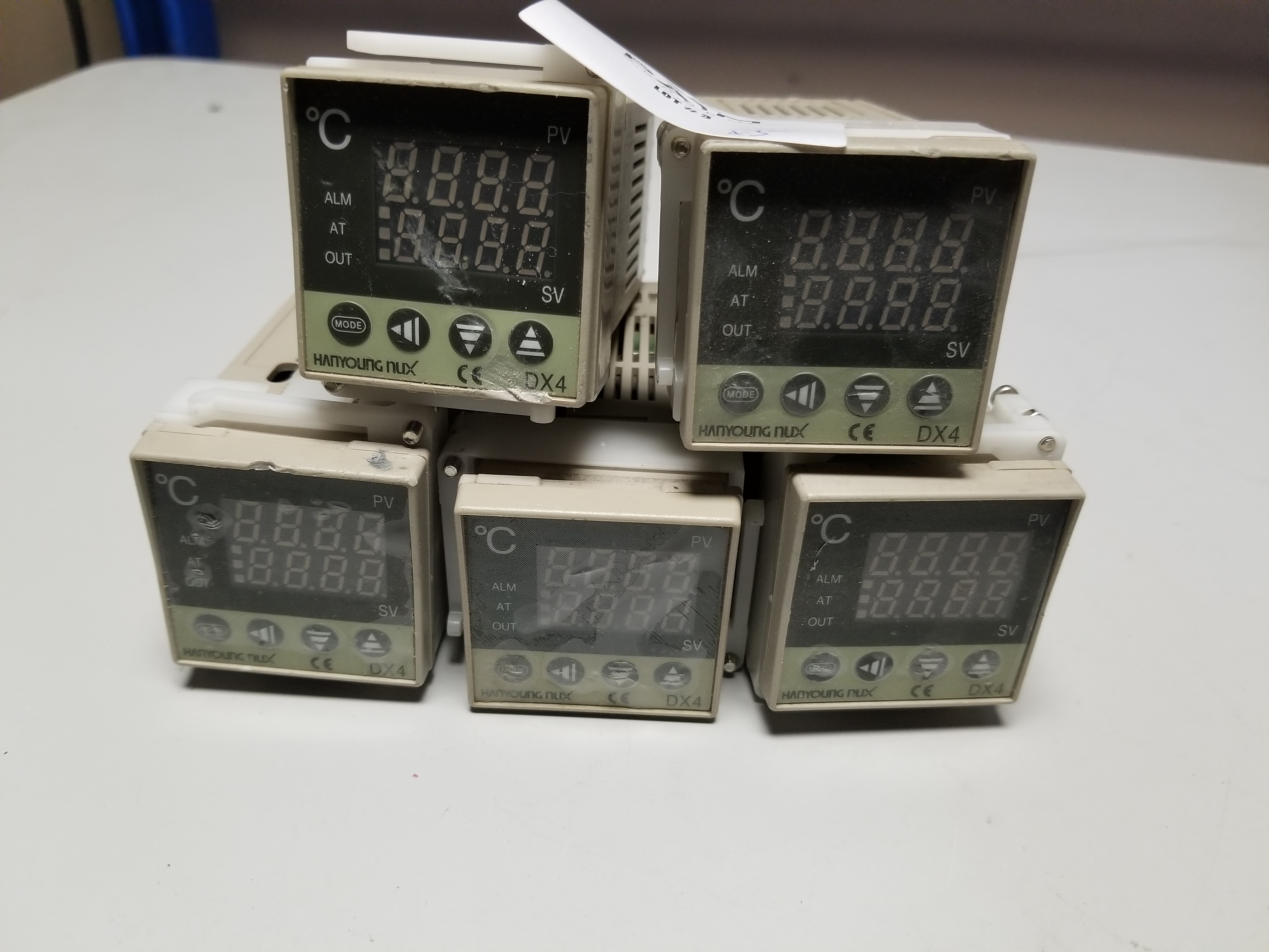 Lot 3 - LOT OF HANYOUNG TEMPERATURE CONTROLLERS