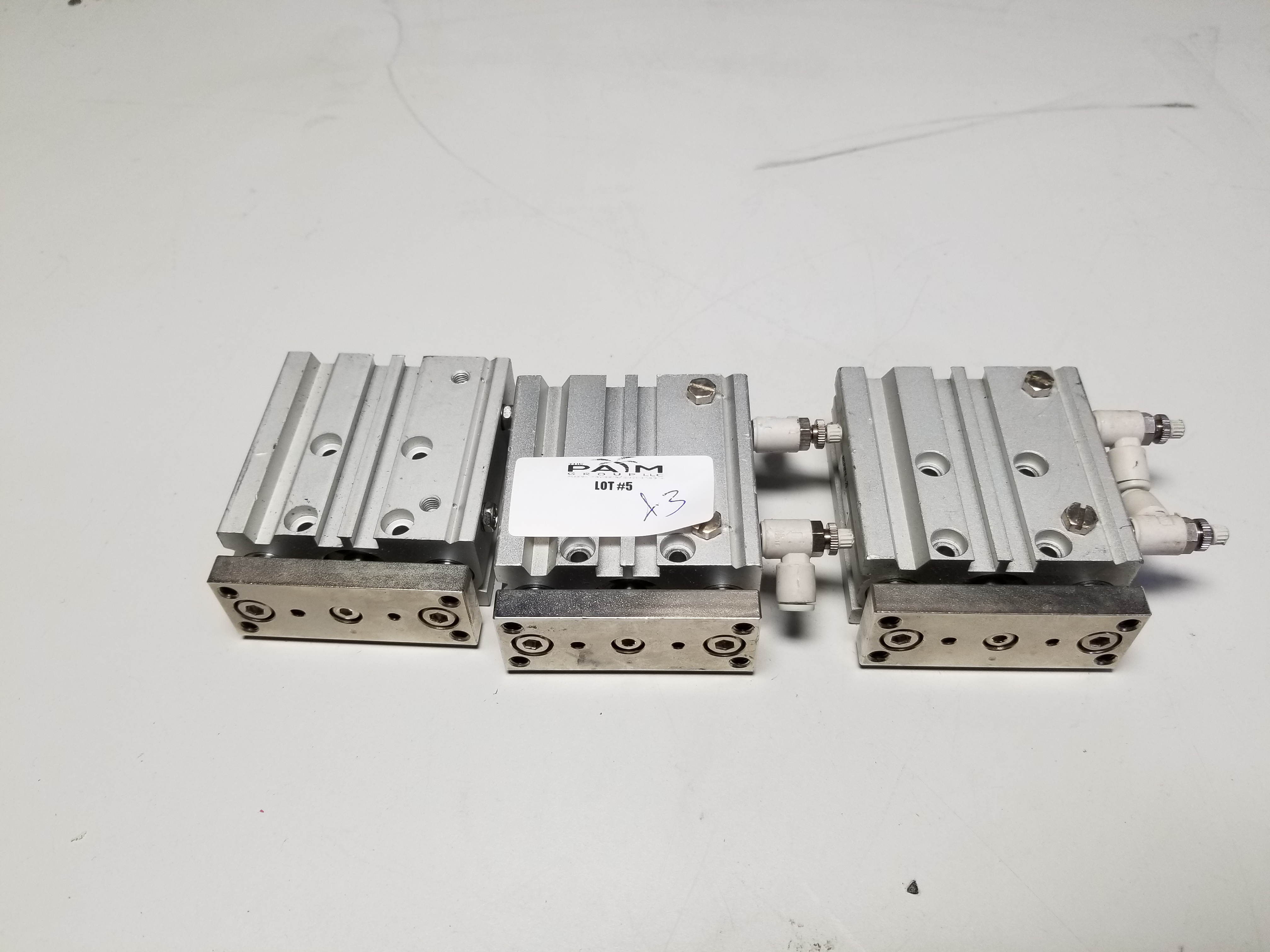 Lot 5 - LOT OF 3 SMC PNEUMATIC CYLINDERS