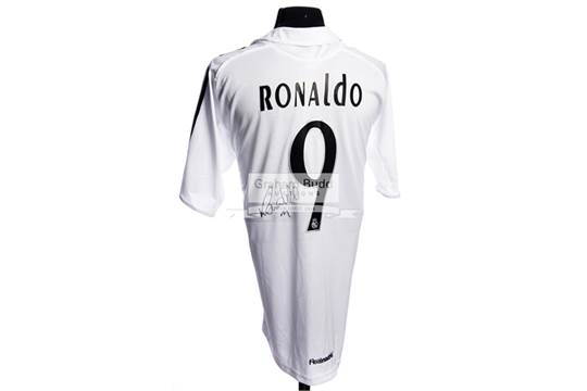 hot sales 9e9c1 6ed8d Real Madrid No.9 replica home jersey signed by Ronaldo (Luis ...