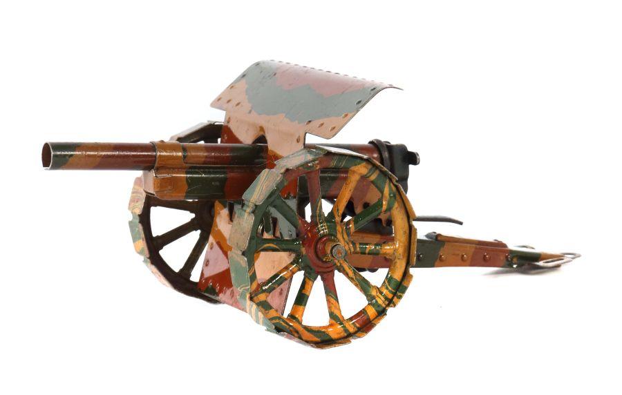 Kanone Märklin, 8032/4, um 1936-39, mit Schild, auf festen Laufplatten, mimikry, L: 22 cm. Min.