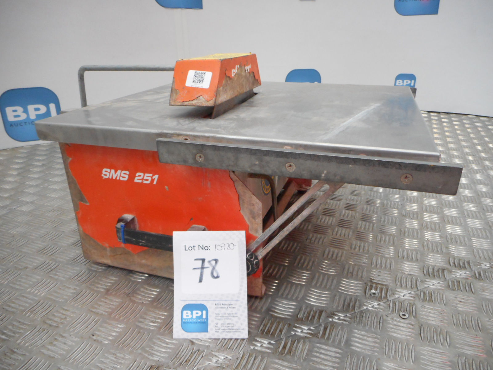 Lot 78 Norton Sms 251 033737 Tile Cutter Electric Has A 110v