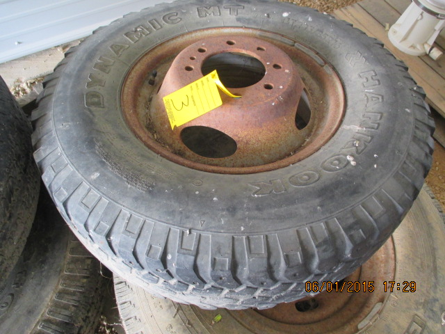 "(2) 16 tires, (1) LT235/85R16 w/wheel, (1) 16"" w/wheel - Image 4 of 7"