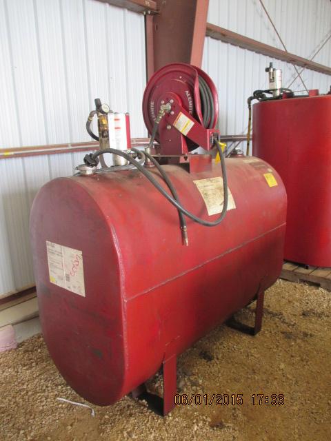Oil barrel w/hose/reel/pump