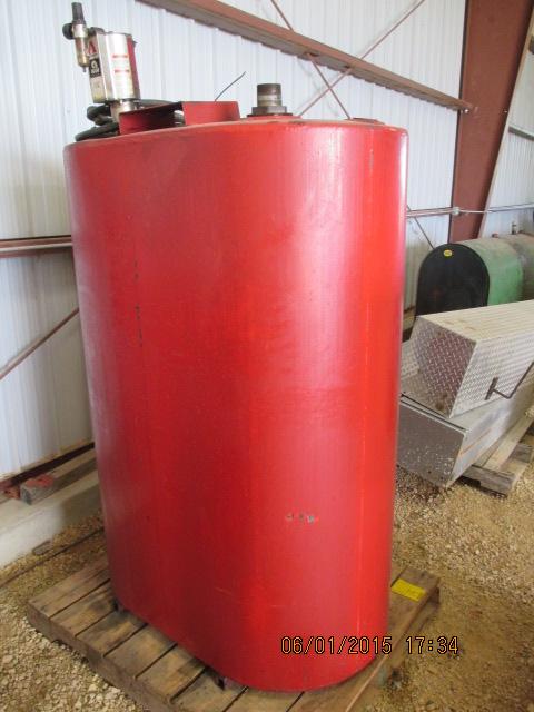 Oil barrel w/Ram pump