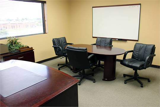 LOT OF EXECUTIVE OFFICE CONTENTS Lshaped Desk Mini Conference - Executive office conference table