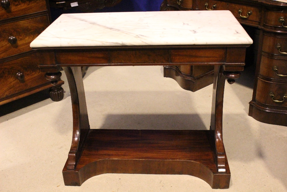 Lot 3 - A VERY FINE 19TH CENTURY MARBLE TOPPED CONSOLE TABLE, with arched side pod supports and turned