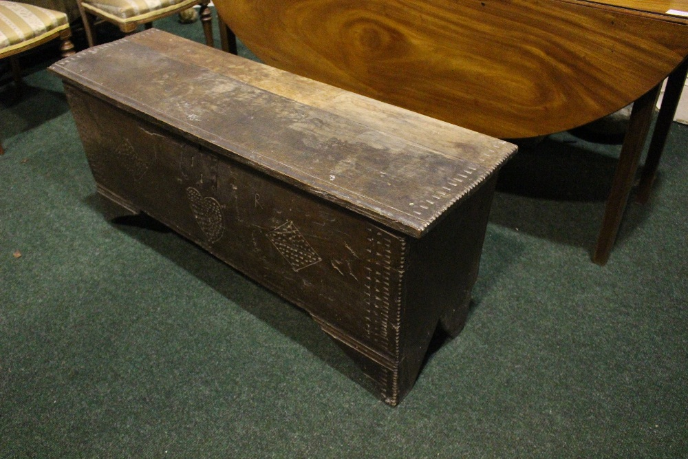 AN OAK COFFER CHEST / MARRIAGE CHEST, with carved initials to the front and a love heart motif to - Image 3 of 7