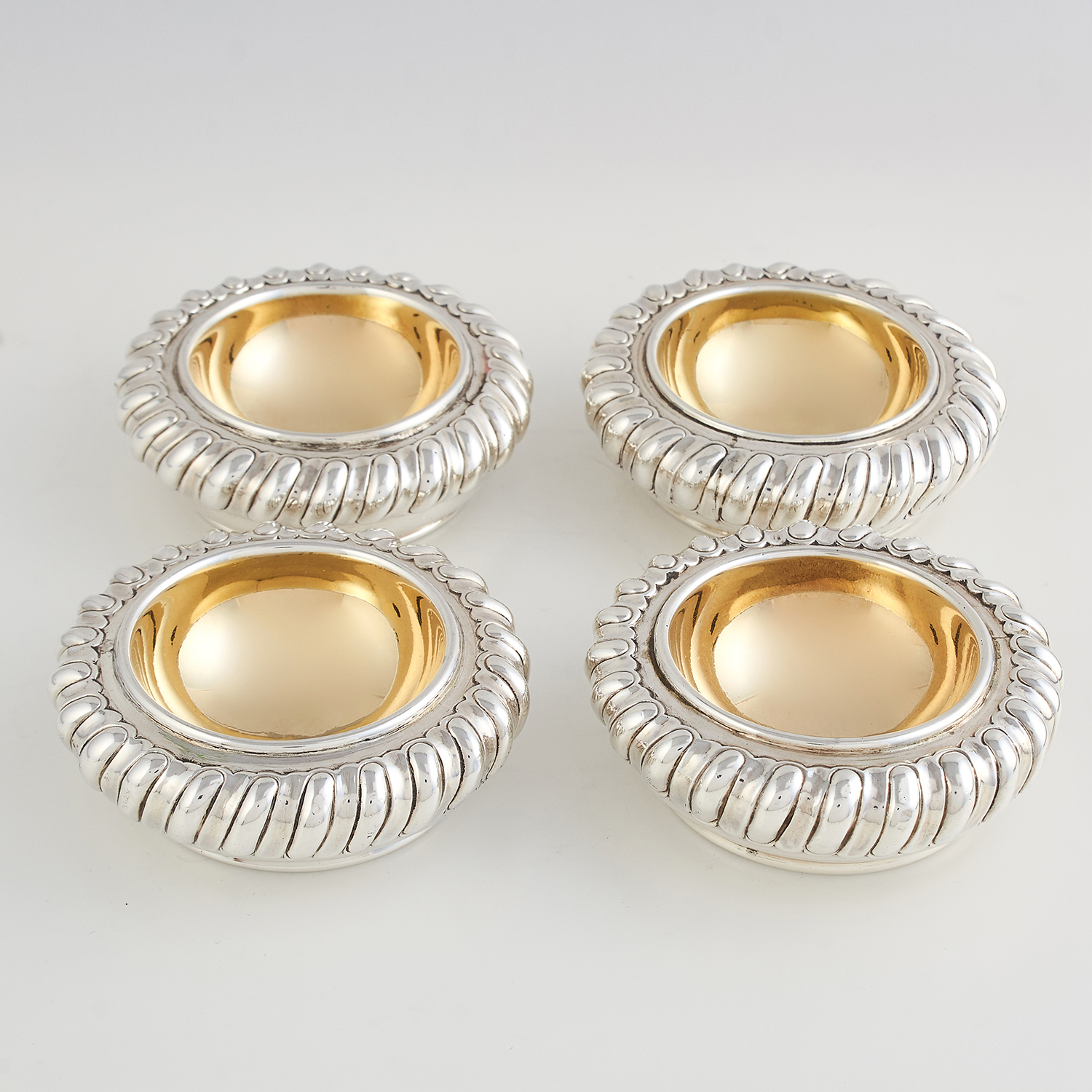 Los 65 - SET OF FOUR ANTIQUE GEORGE IV STERLING SILVER SALT CELLARS, JOSEPH ANGELL LONDON 1824 of circular