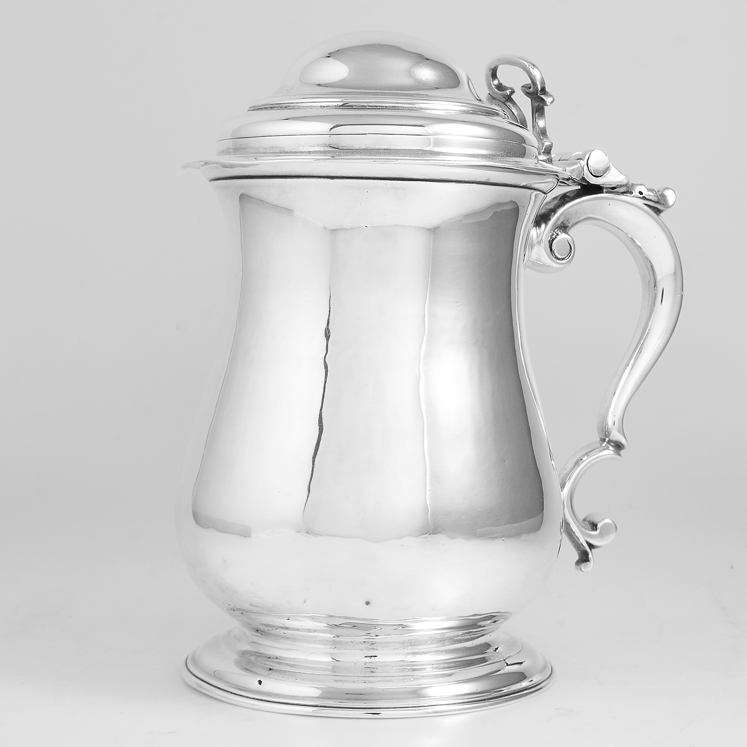 Los 52 - ANTIQUE GEORGE II STERLING SILVER LADIES TANKARD, FULLER WHITE LONDON 1750 of baluster form on a