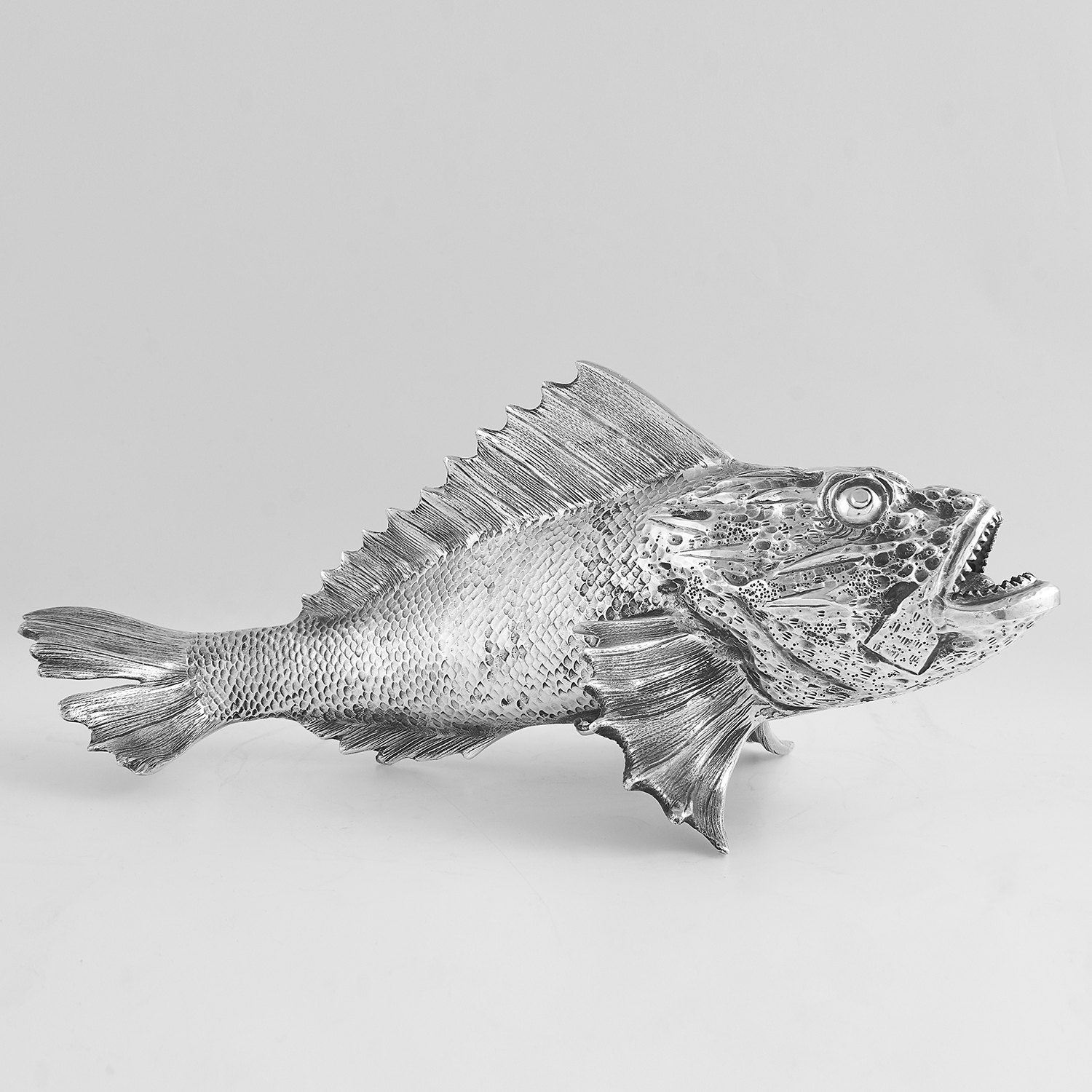 VINTAGE ITALIAN SILVER FISH STATUE CIRCA 1960 cast to depict a fish in detail, Italian marks, 25.
