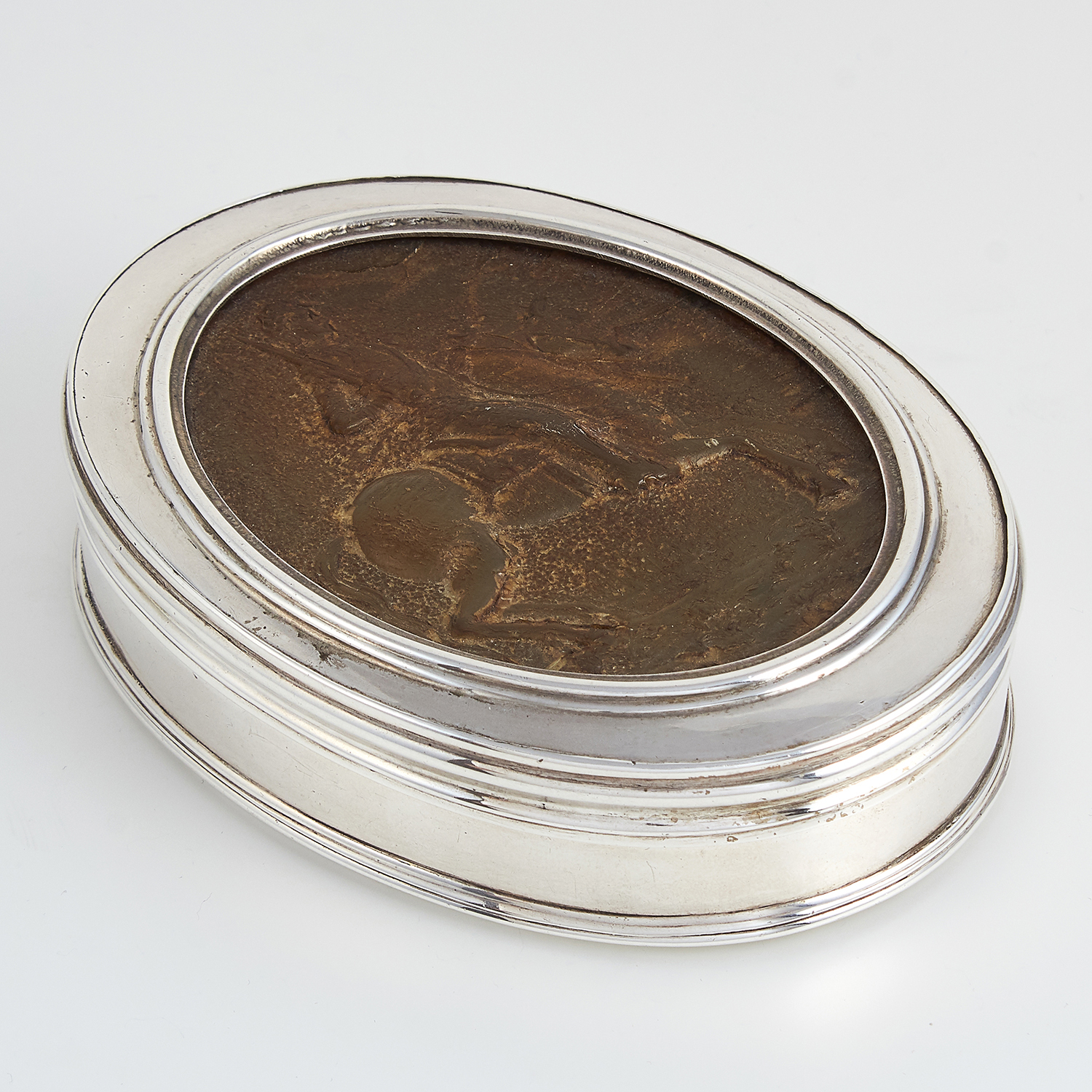 ANTIQUE SCOTTISH SILVER AND PRESSED HORN TOBACCO BOX, MAKER'S MARK I.S, CIRCA 1800 of oval form, the