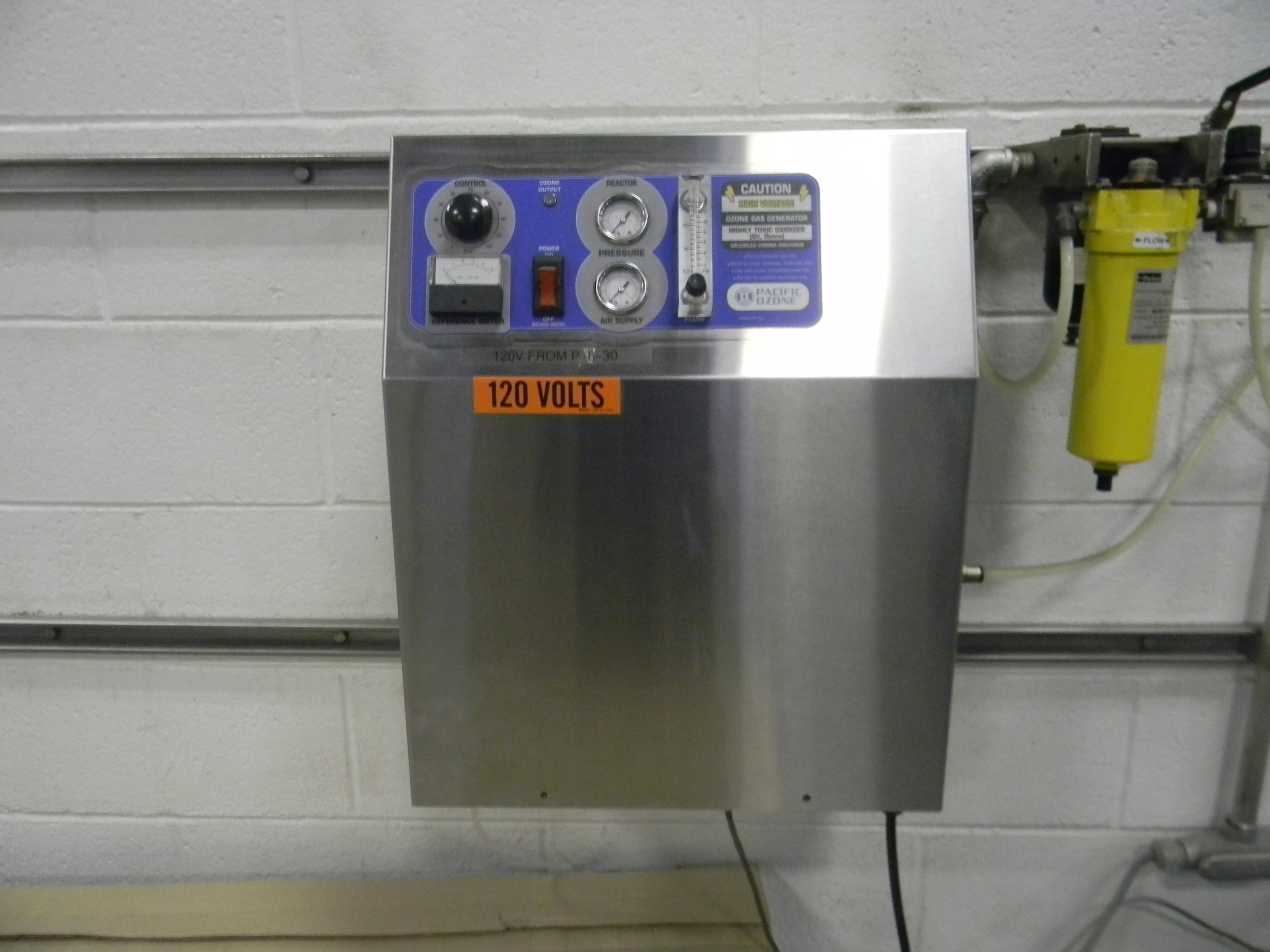 Lot 11 - Pacific Ozone Generator, Model: SGA21, Serial Number: 7588, Floating Plate Technology™