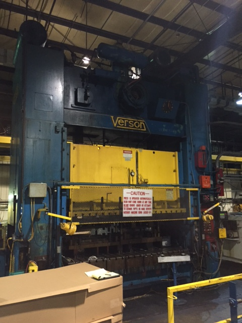 """600 TON VERSON MODEL S2-600-120-72T STRAIGHT SIDE DOUBLE CRANK PRESS; S/N 24770, 120"""" LEFT TO - Image 6 of 10"""