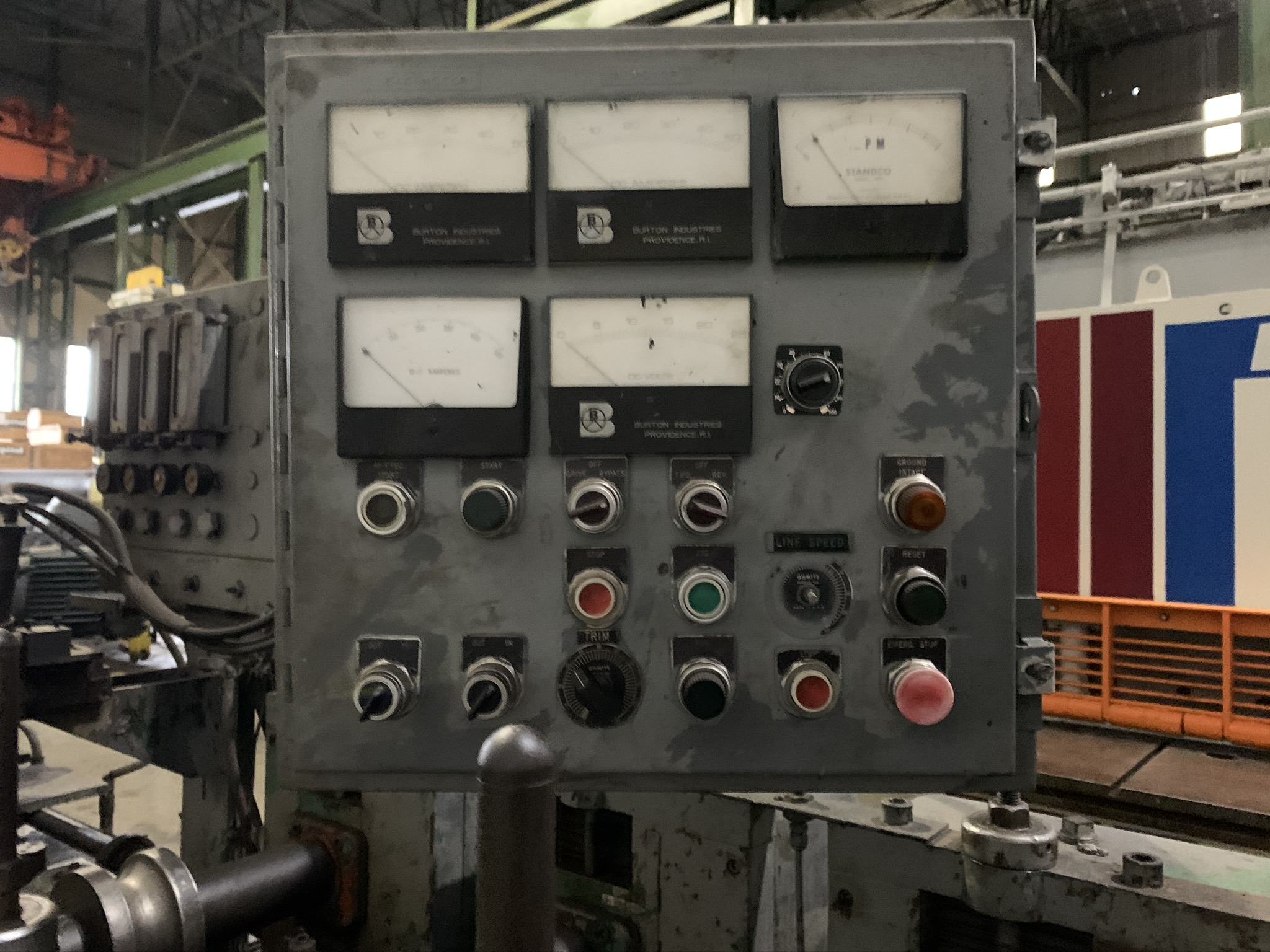 YODER MODEL M2.5 TUBE MILL; S/N C0-1424, 9-STAND 4-BREADKDOWN STANDS, (3) FINISHING STANDS, (2) - Image 6 of 8