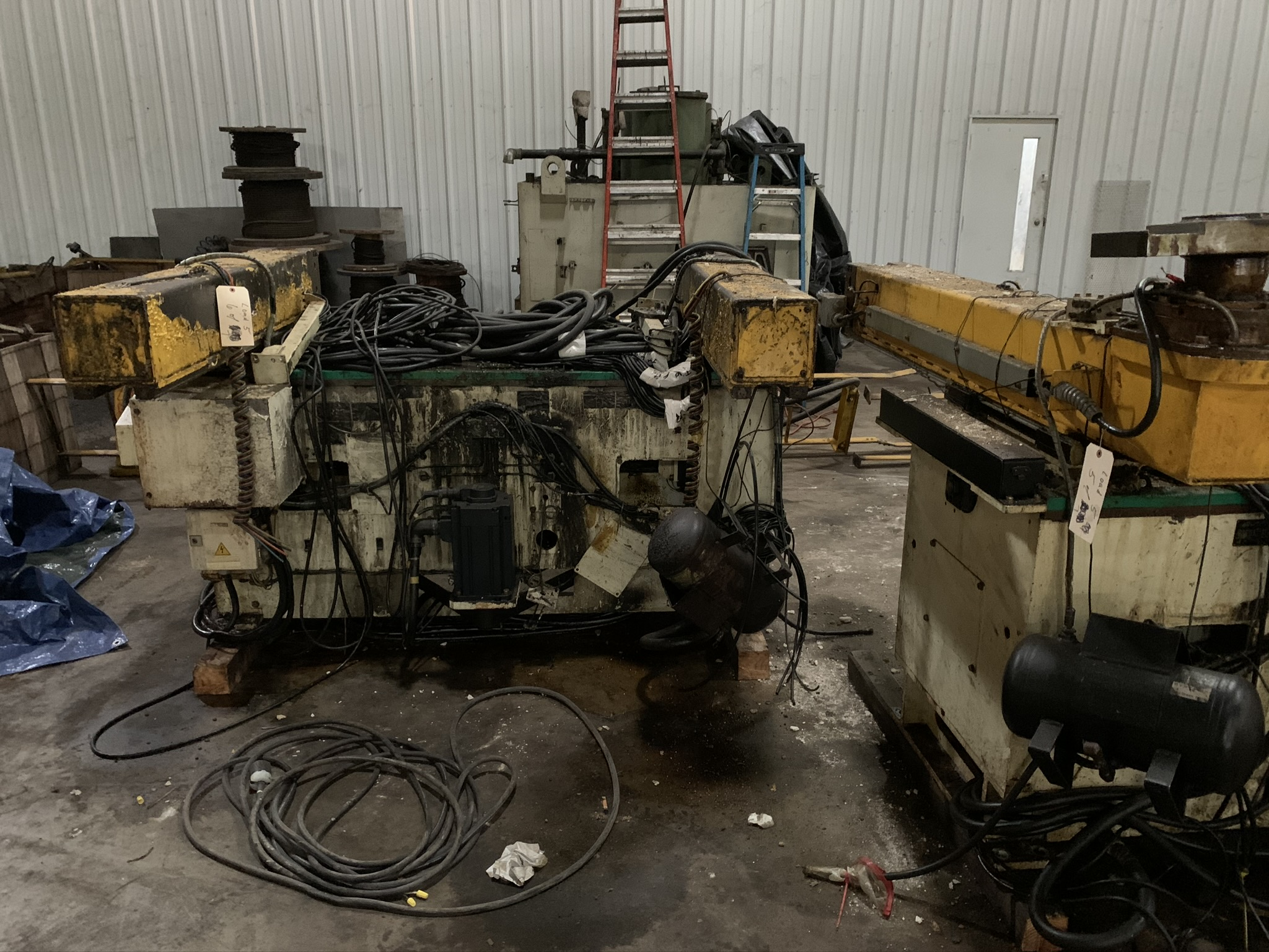 "660 TON KOMATSU SERVO PRESS MODEL HF4-600 STRAIGHT SIDE DOUBLE CRANK PRESS; S/N 10001, 11.81"" - Image 15 of 19"
