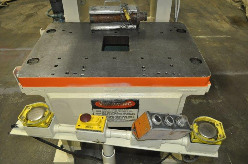 """90 TON NIAGARA MODEL E90 OBI BACK GEARED PRESS; S/N 52482, 39"""" LEFT TO RIGHT X 25"""" FRONT TO BACK - Image 6 of 9"""