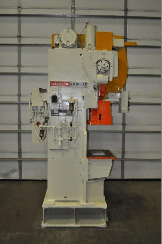 "35 TON NIAGARA MODEL AMB-35 ADJUSTABLE BEND HORN PRESSES; S/N 49362, 24"" LEFT TO RIGHT X 16"" FRONT - Image 4 of 8"