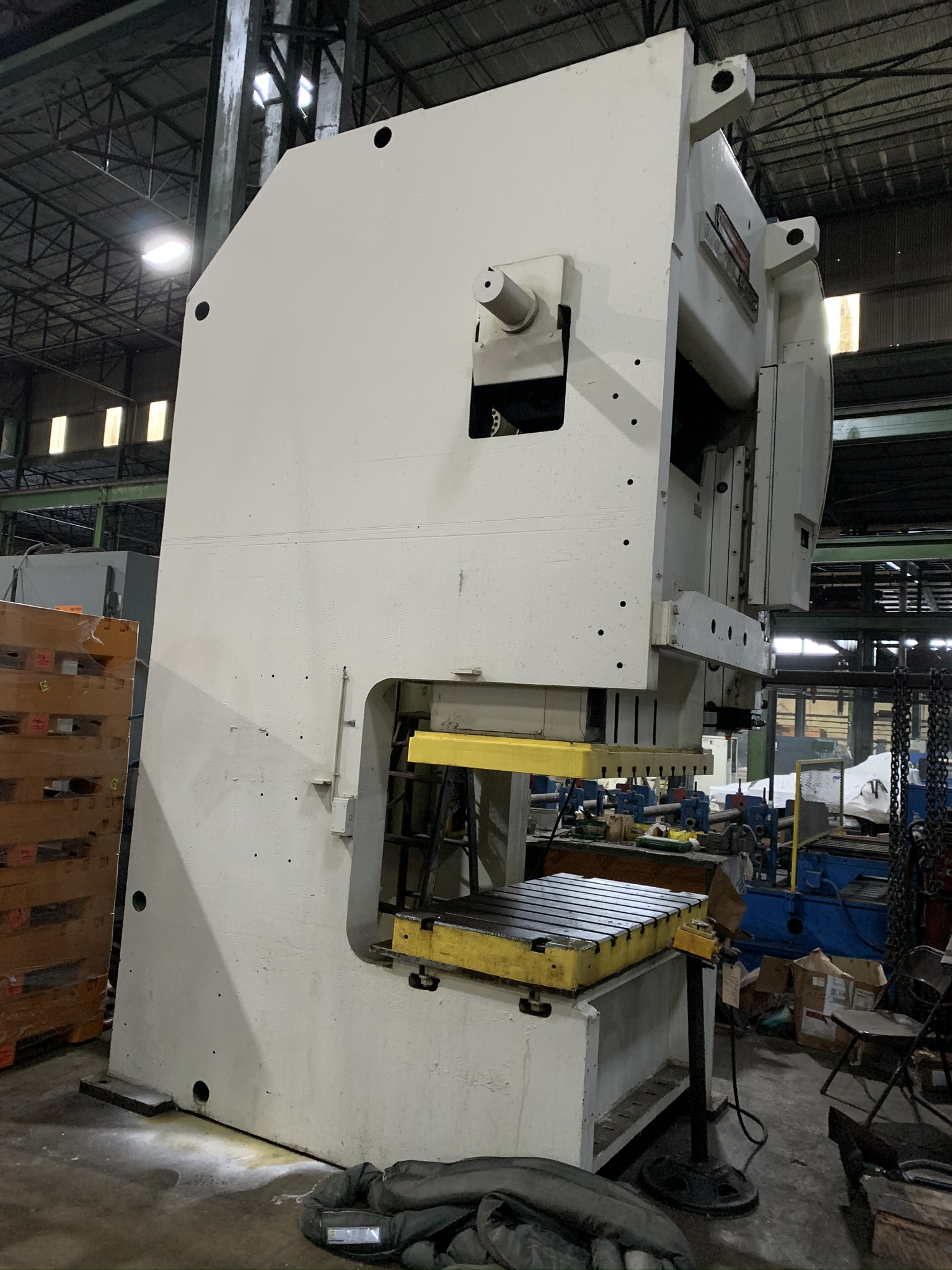 """200 TON NIAGARA MODEL S2G-200-60-30 DOUBLE CRANK GAP FRAME PRESS; S/N 50783, 60""""LEFT TO RIGHT X - Image 2 of 6"""