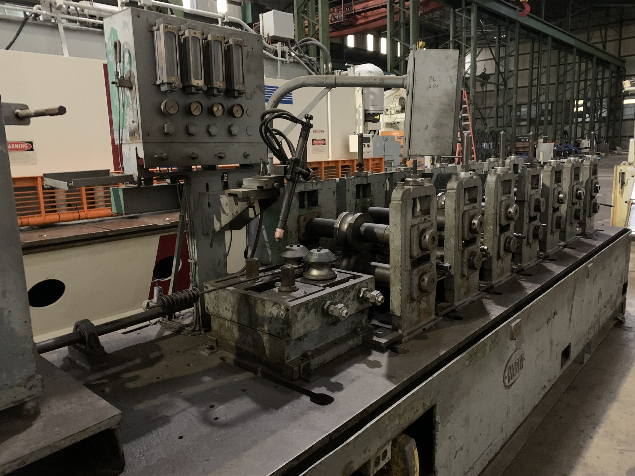 YODER MODEL M2.5 TUBE MILL; S/N C0-1424, 9-STAND 4-BREADKDOWN STANDS, (3) FINISHING STANDS, (2) - Image 3 of 8