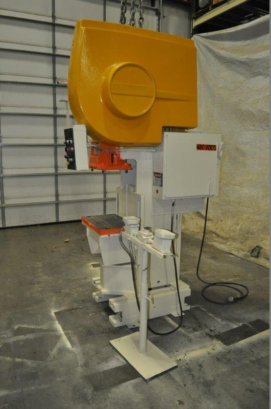 "35 TON NIAGARA MODEL AMB-35 ADJUSTABLE BEND HORN PRESSES; S/N 49363, 24"" LEFT TO RIGHT X 16"" FRONT - Image 2 of 9"