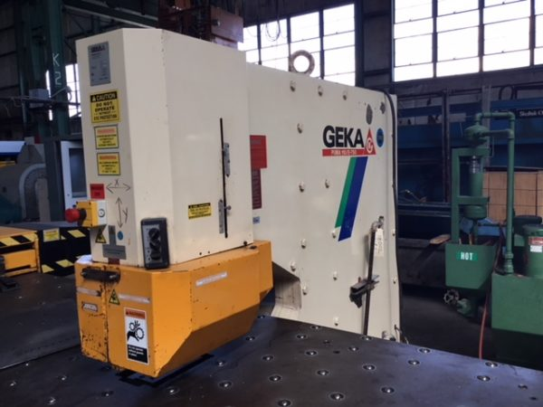 """110 TON GEKA CNC PUNCH; S/N 9702, PUNCHING CAPACITY 110 TONS, CAPACITY IN _"""" MATERIAL 1-1/2"""", - Image 8 of 10"""