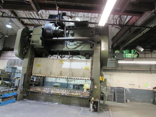 """600 TON BROWN & BOGGS MODEL SS2-600-168-60E STRAIGHT SIDE DOUBLE CRANK PRESS; S/N 97114, 12"""" STROKE - Image 2 of 10"""