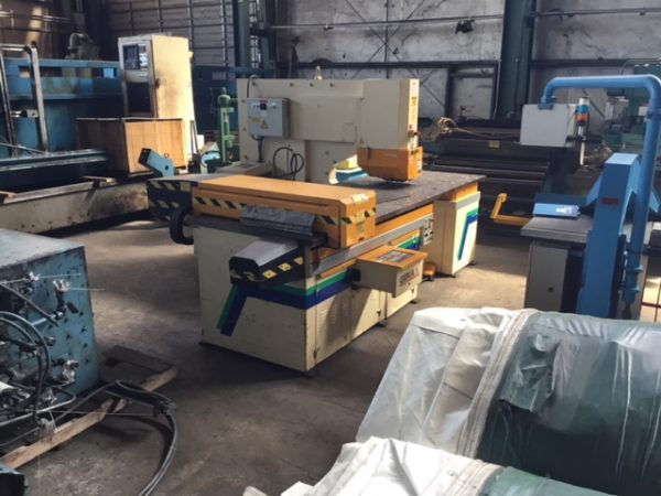 """110 TON GEKA CNC PUNCH; S/N 9702, PUNCHING CAPACITY 110 TONS, CAPACITY IN _"""" MATERIAL 1-1/2"""", - Image 2 of 10"""