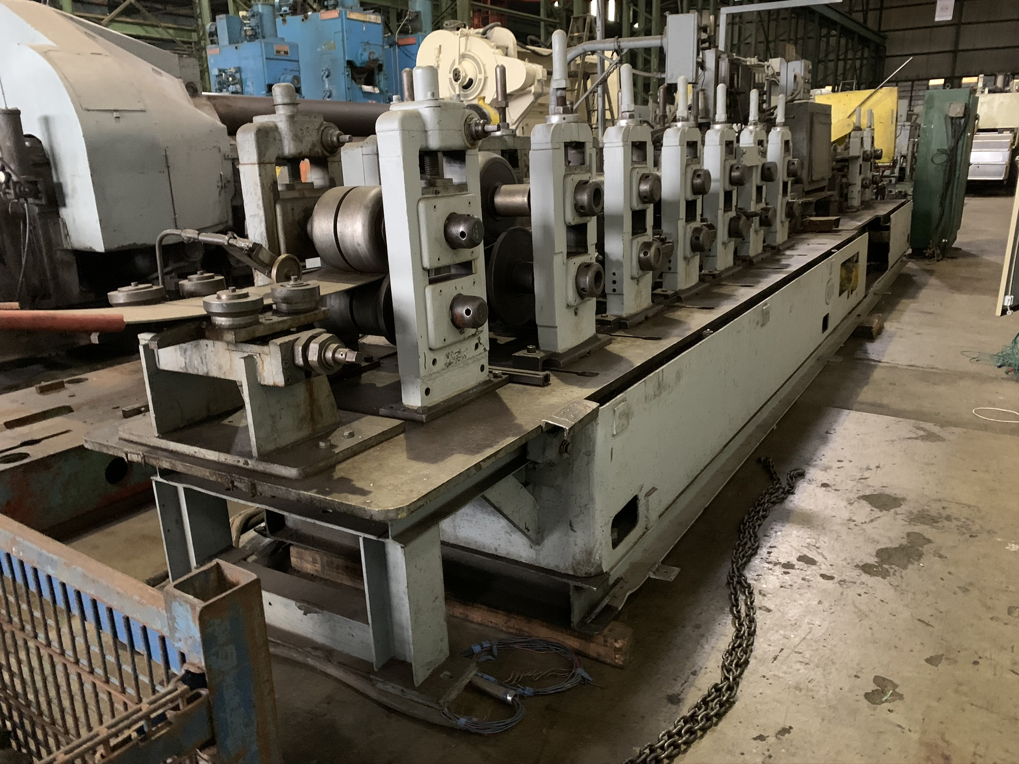 YODER MODEL M3 TUBE MILL; S/N 39774 68259-1, 9-STAND 7-DRIVEN FORMING STANDS, (2) SIZING STANDS, - Image 5 of 9