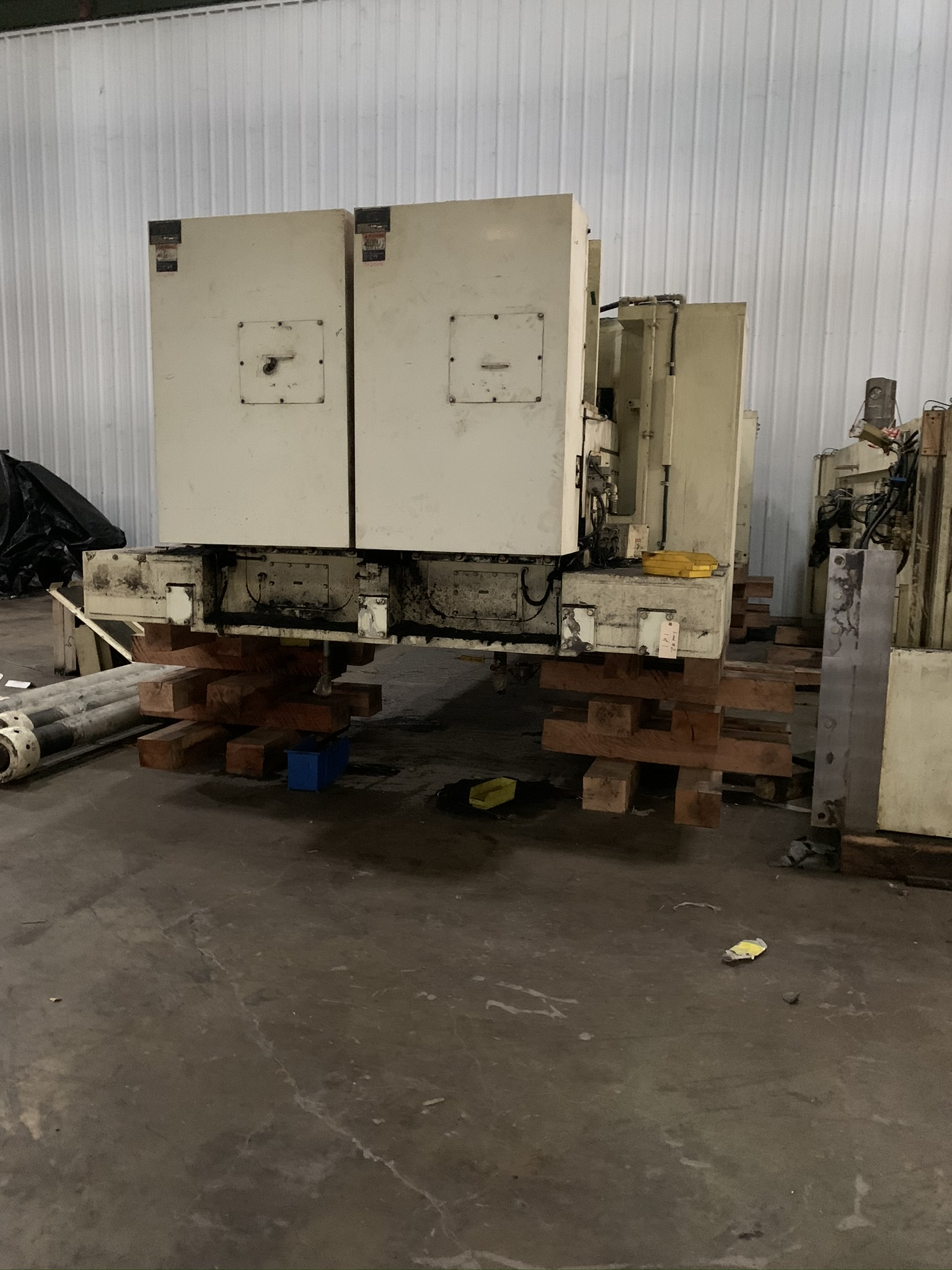 "660 TON KOMATSU SERVO PRESS MODEL HF4-600 STRAIGHT SIDE DOUBLE CRANK PRESS; S/N 10001, 11.81"" - Image 11 of 19"