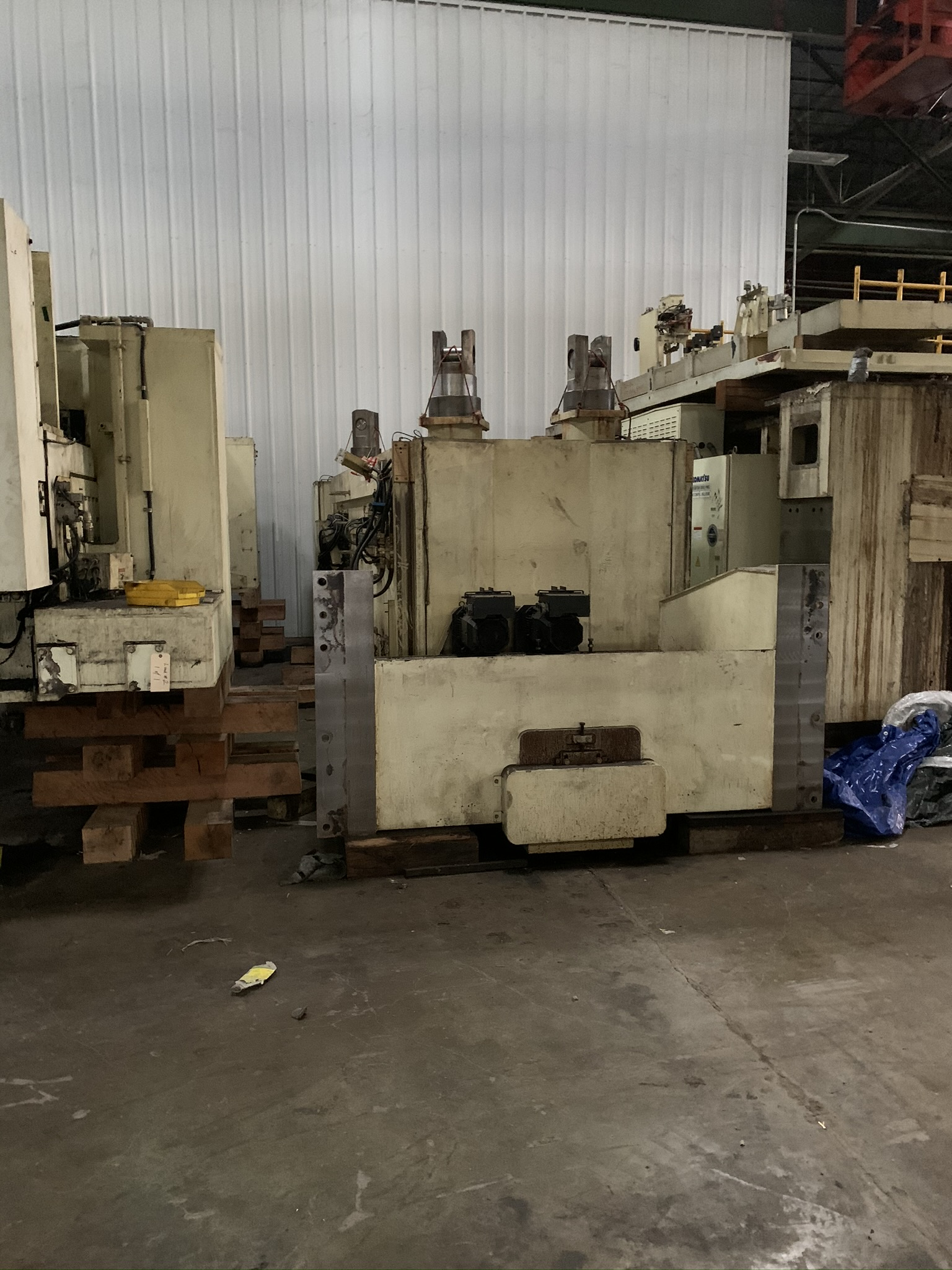 "660 TON KOMATSU SERVO PRESS MODEL HF4-600 STRAIGHT SIDE DOUBLE CRANK PRESS; S/N 10001, 11.81"" - Image 12 of 19"