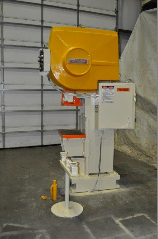 """35 TON NIAGARA MODEL AMB-35 ADJUSTABLE BEND HORN PRESSES; S/N 51901, 24"""" LEFT TO RIGHT X 16"""" FRONT - Image 4 of 6"""