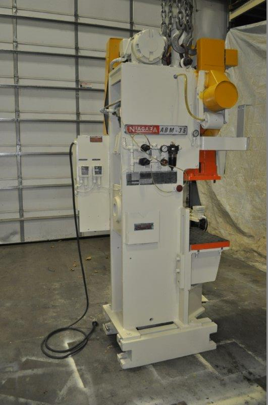 "35 TON NIAGARA MODEL AMB-35 ADJUSTABLE BEND HORN PRESSES; S/N 49363, 24"" LEFT TO RIGHT X 16"" FRONT - Image 5 of 9"