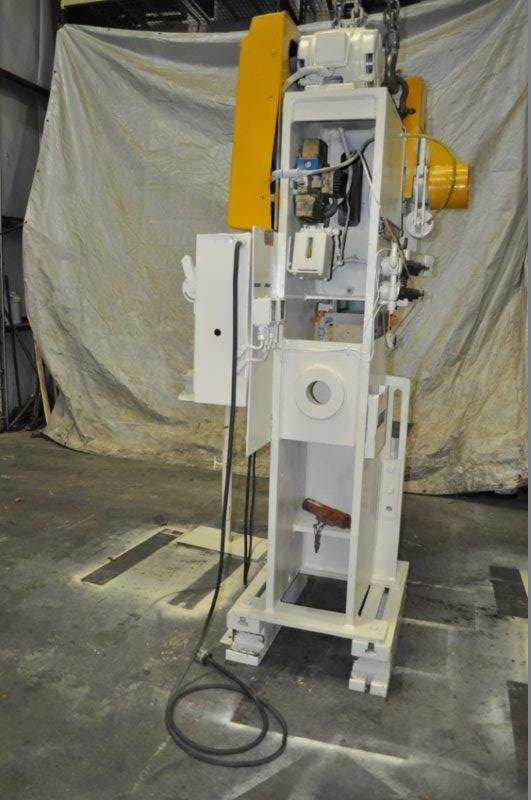 "35 TON NIAGARA MODEL AMB-35 ADJUSTABLE BEND HORN PRESSES; S/N 49363, 24"" LEFT TO RIGHT X 16"" FRONT - Image 4 of 9"
